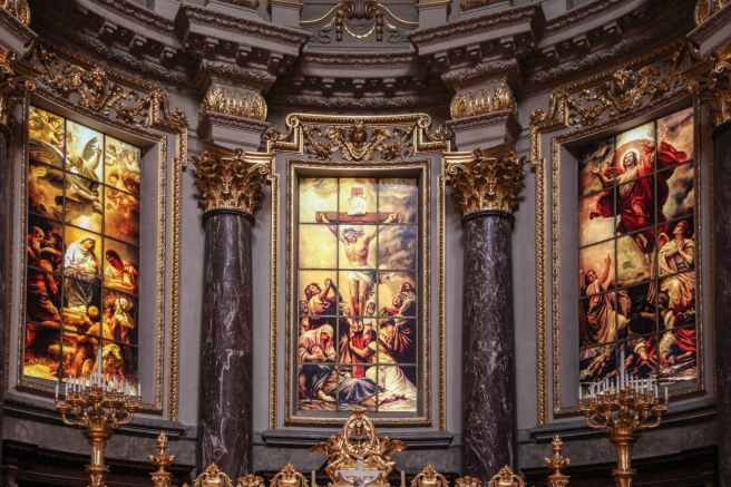 church-altar-altarpiece-glassart-161159.jpeg